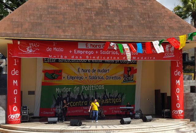 Répétition du concert (syndical du 1er mai)......Carlos Santana