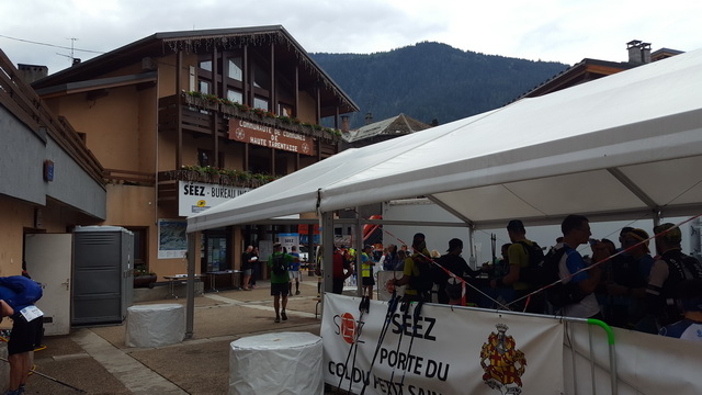 Arrêt à Seez pour complément d'eau 2km avant Bourg St Maurice